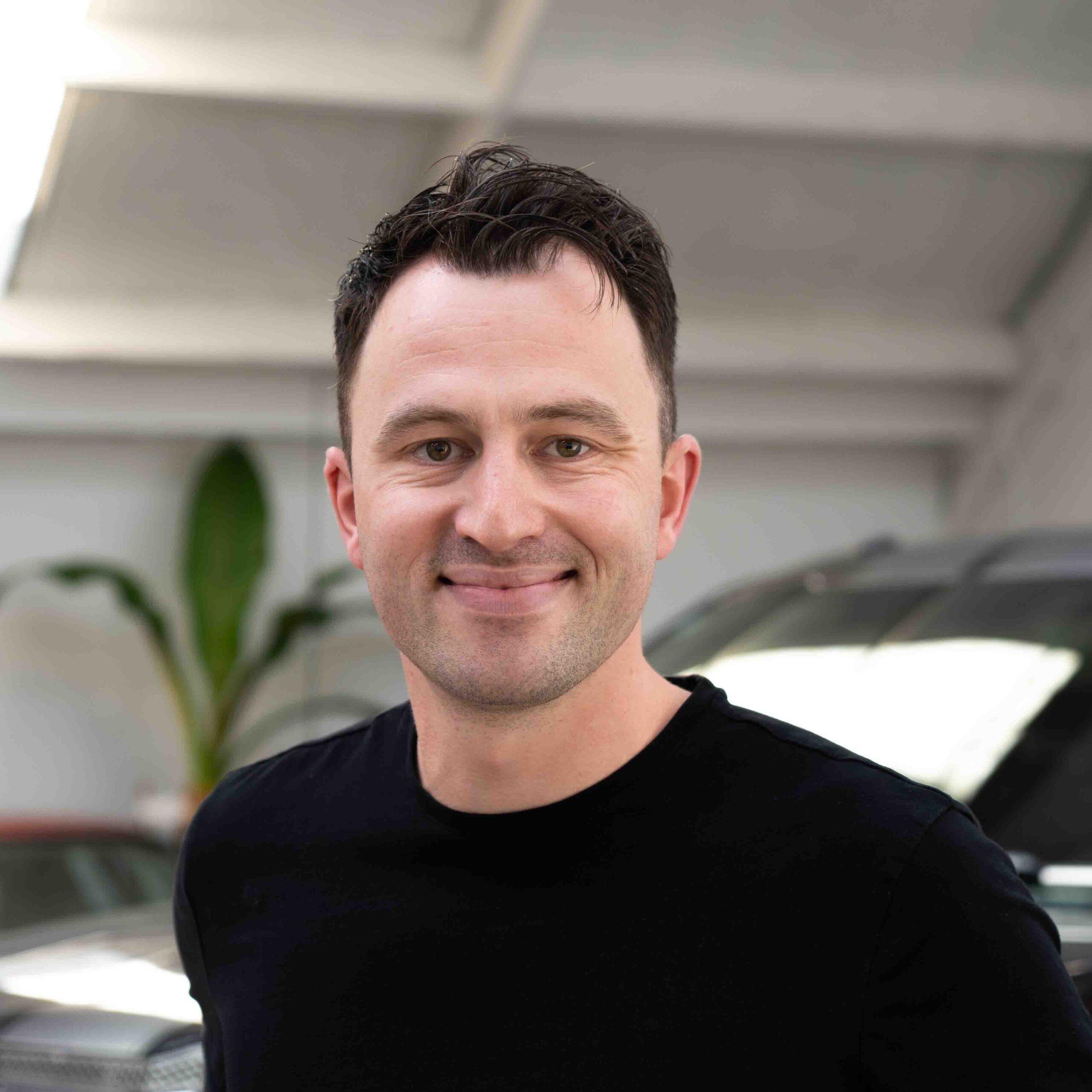 ELLIOT ANDREW Sales Executive